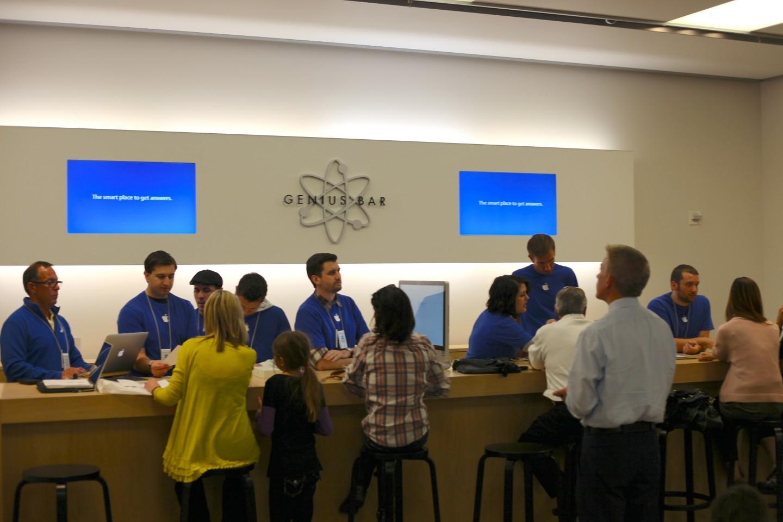 Apple store genius bar customer experience