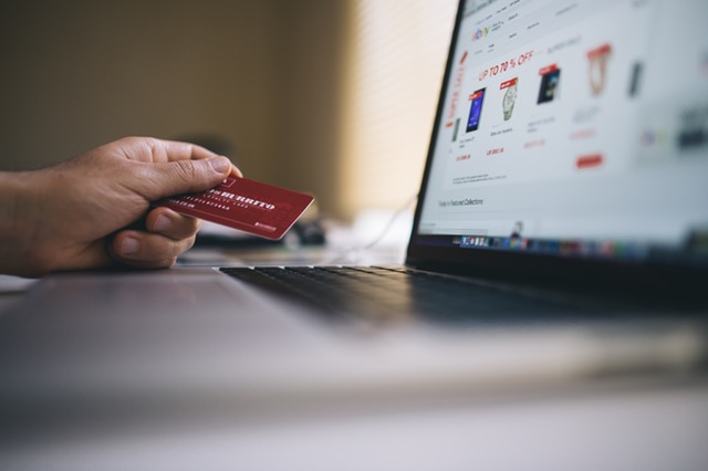 credit-card-laptop-screen