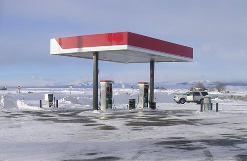 gas-station-snow
