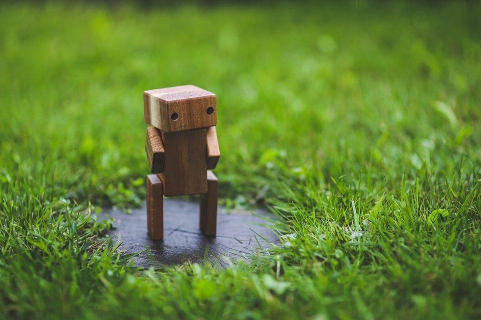 rsz_wooden-robot